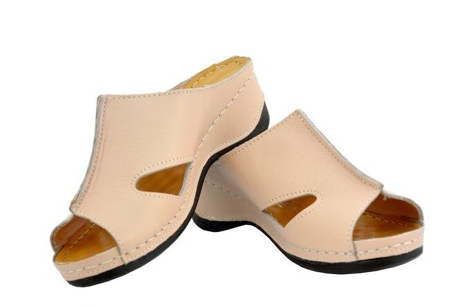 Loretta Vitale ādas apavi, pūdera rozā krāsas sieviešu iešļūcenes