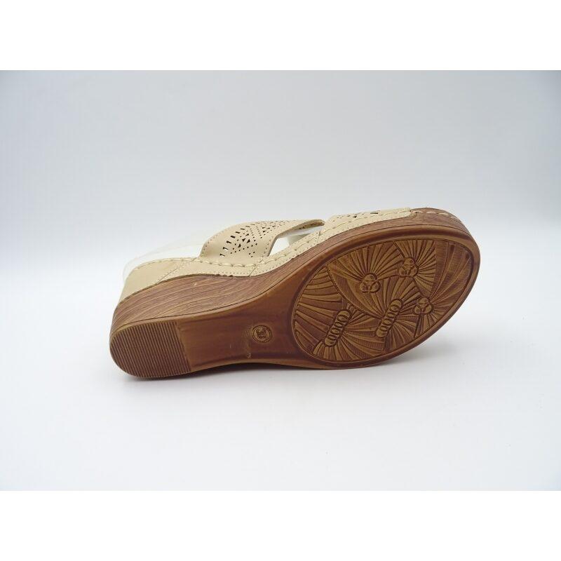 Sieviešu apavi, bēšas iešļūcenes, vasaras kurpes