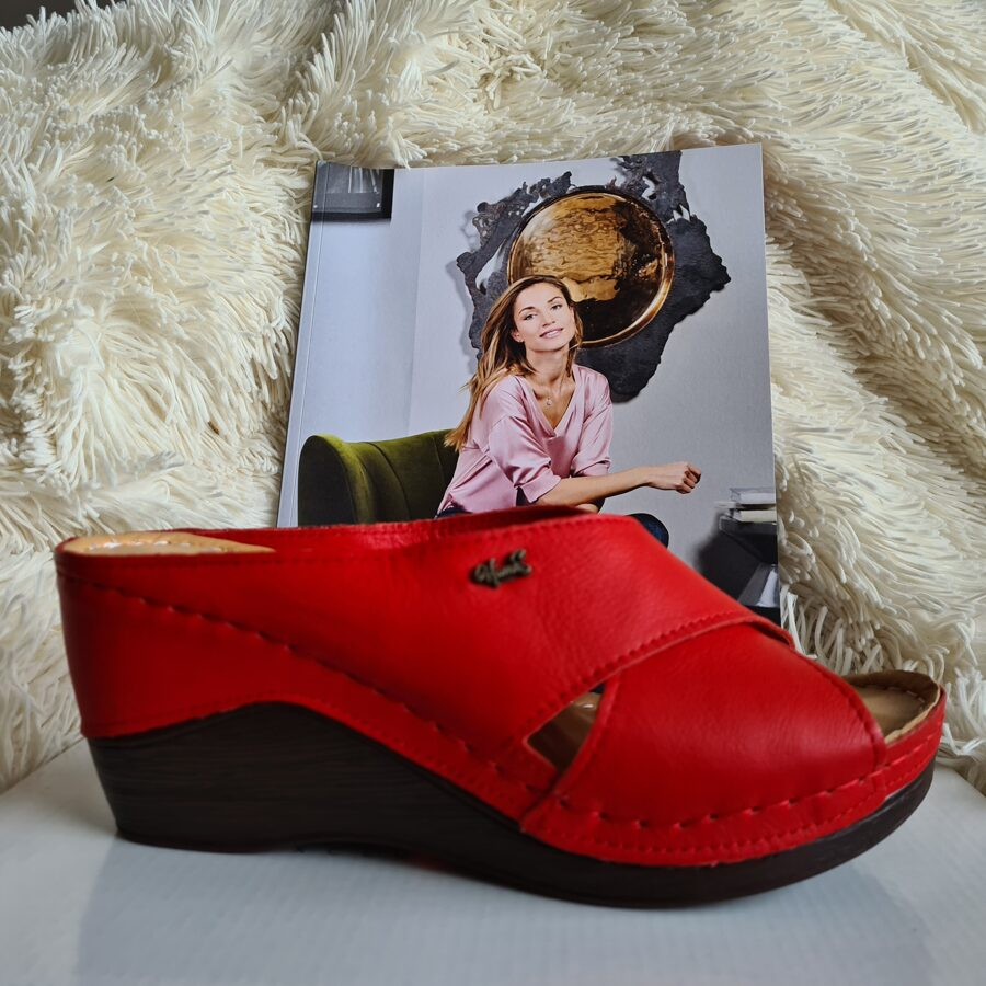 Loretta Vitale ādas apavi, sarkanas sieviešu iešļūcenes