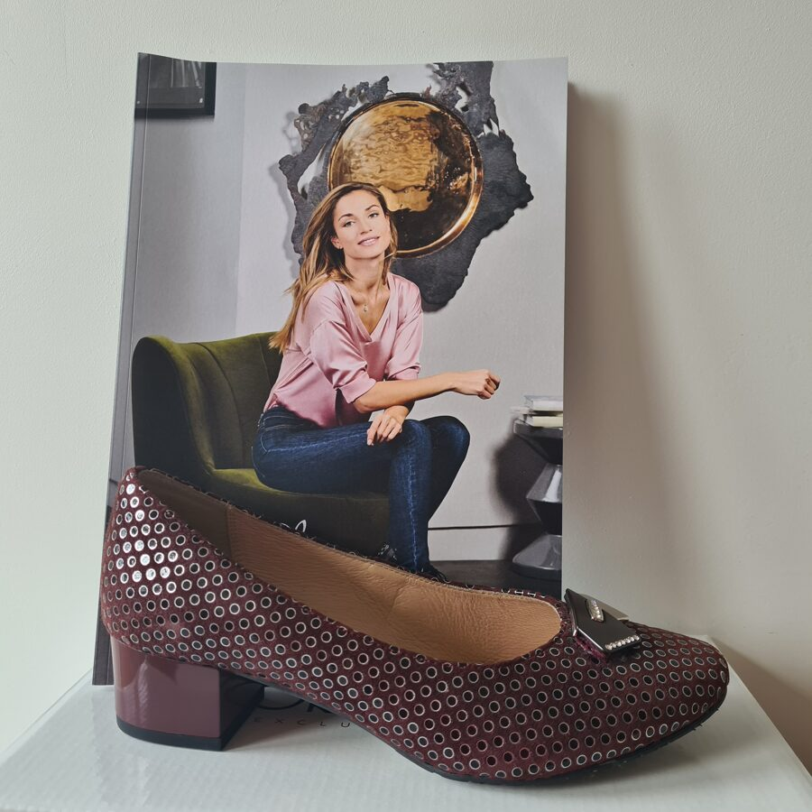Grodecki ādas apavi, sieviešu bordo laiviņas
