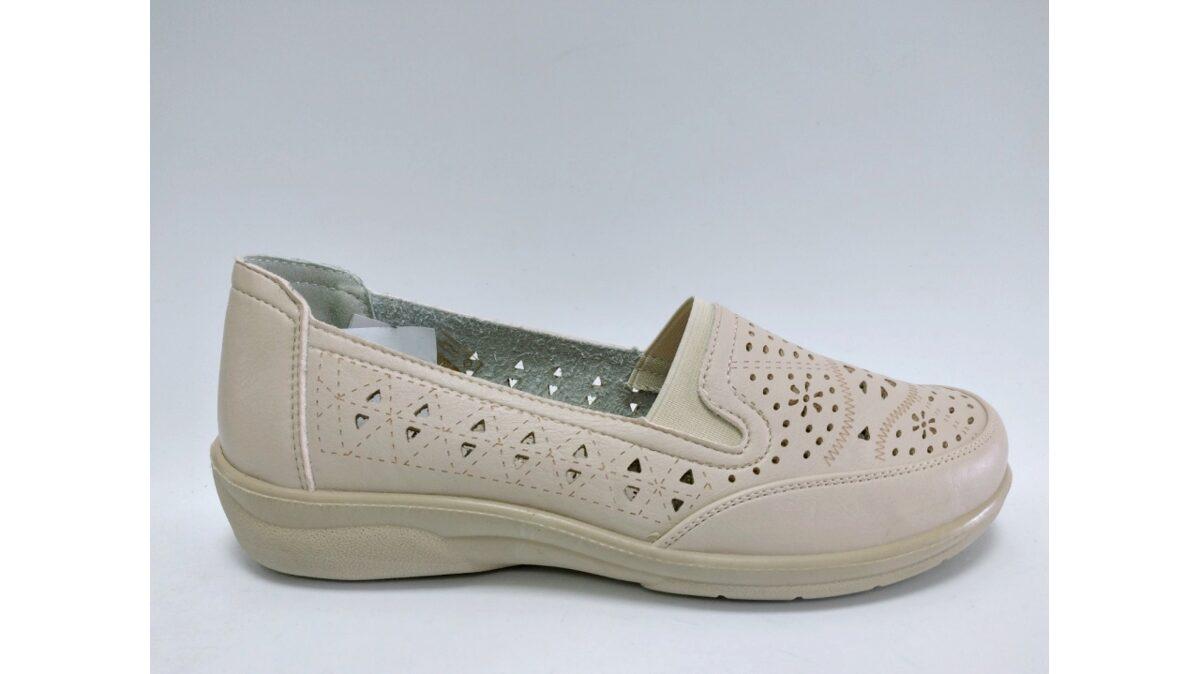 Sieviešu apavi, bēšas kurpes