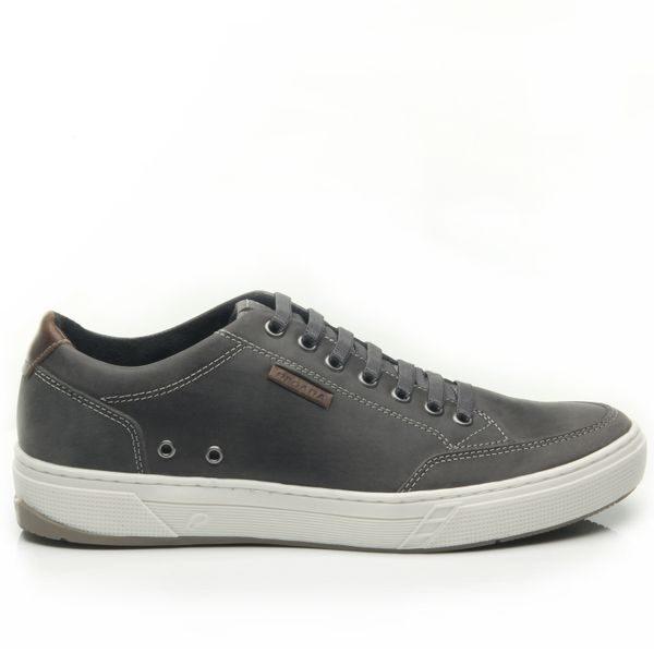 Pegada ādas apavi, gaiši brīvā laika vīriešu apavi